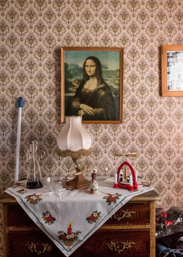 Mona lisa and the broom
